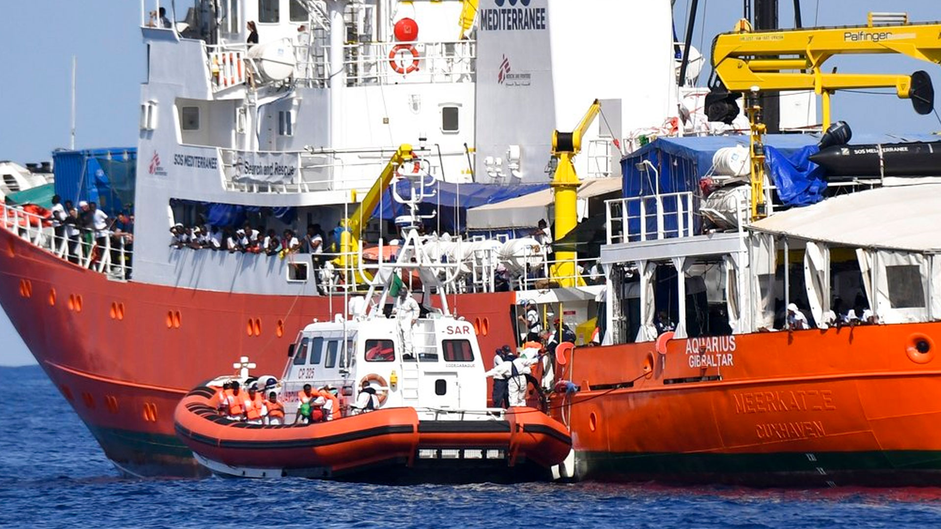 aquarius-migrant-rescue_1529227641604.jpg