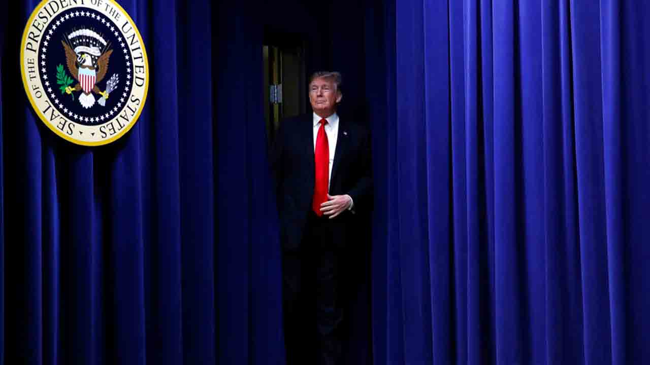 Donald Trump and curtains_1546544273754.jpg.jpg