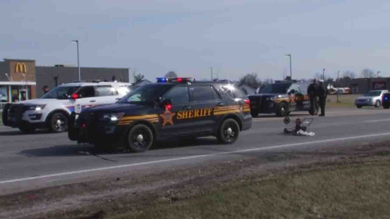 Pedestrian injured as Franklin County deputies pursue vehicle
