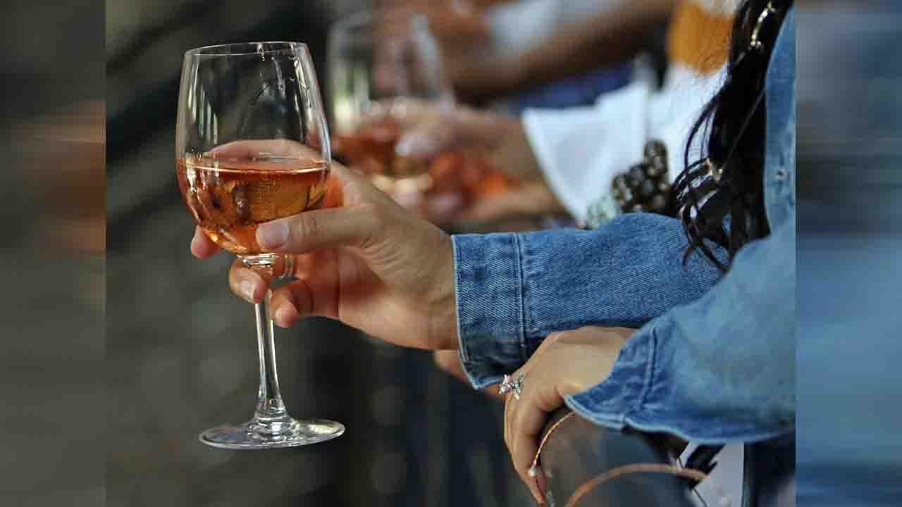 wine glass_1553115327462.jpg.jpg