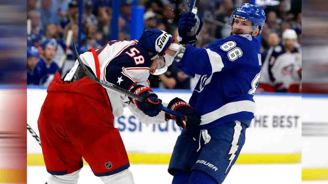 Tampa Bay Lightning Nikita Kucherov and Columbus Blue Jackets David Savard_1555179243865.jpg.jpg