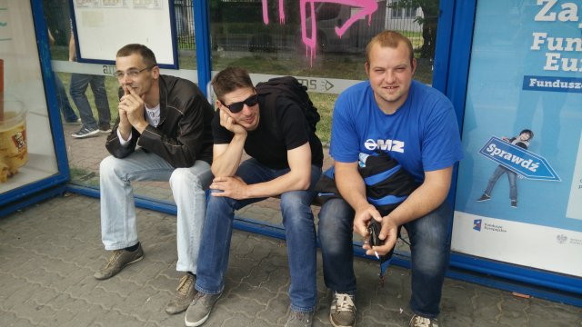 Wir warten auf den Bus