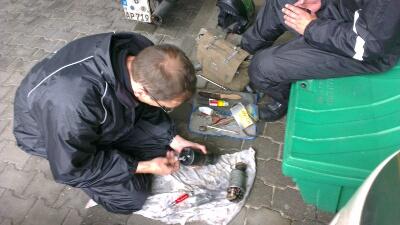 Reparatur Lichtmaschine an der Tank