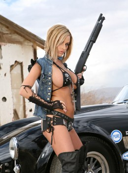 exotic-babe-with-shelby-2