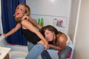 drunk-girls-getting-pantsed-17
