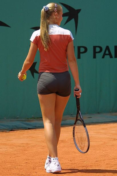 jelena-dokic-tight-shorts-shows-bum-tennis-player-pictures