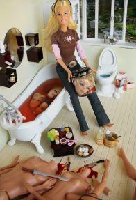 408px-Barbie_-_Serial_Killer_-_11