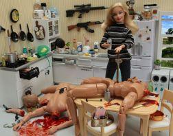 760px-Barbie_-_Serial_Killer_-_03