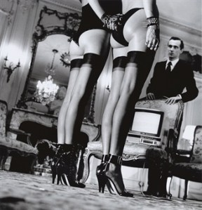 Why women should wear stockings (not tights)