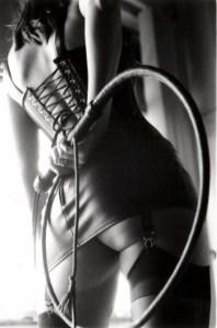 Vleugels, glazen globe, sillage – een erotisch verhaal