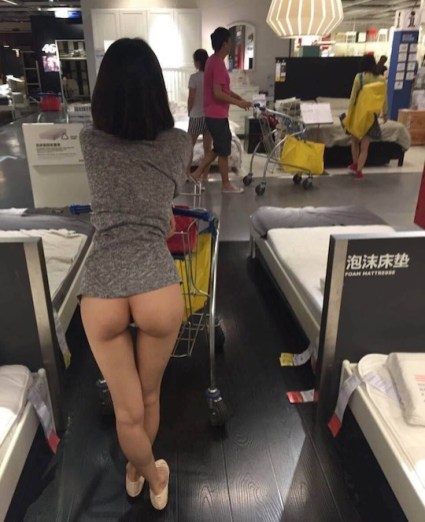 chinese-nude-exhibitionism-selfie-ikea-beijing-naked-11