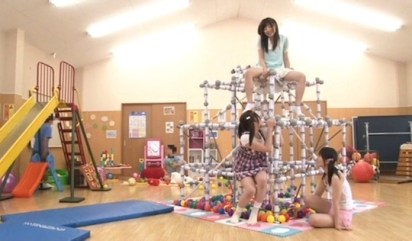 japan-av-porn-jungle-gym-playground-1