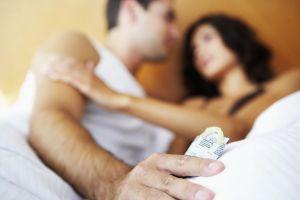 Waarom je nooit gehaast een condoom om moet doen