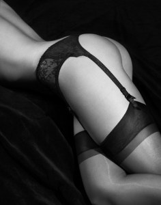 How to wear stockings and suspenders?
