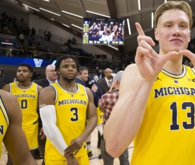 College Basketball The Incredible Numbers Behind Michigans