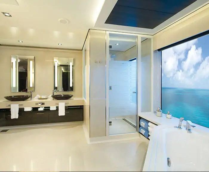 ノルウェージャンクルーズライン ザ・ヘブン デラックスオーナースイート バスルーム The Haven's Deluxe Owners Suite with Large Balcony Bathroom on Norwegian Getaway