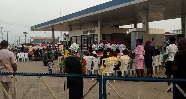 Mobil Gas Station in Eket turns to a Crusade Ground for lack of Product for Years (details)