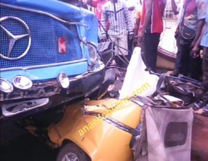 Tipper Crushes Students To Death In Oko Anambra, Driver Flees (Disturbing Photo)