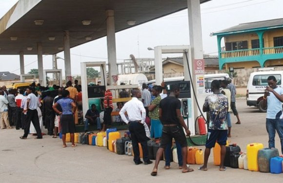 Cross River State: Filling stations still selling petrol above N123. 50 per litre despite new order by FG