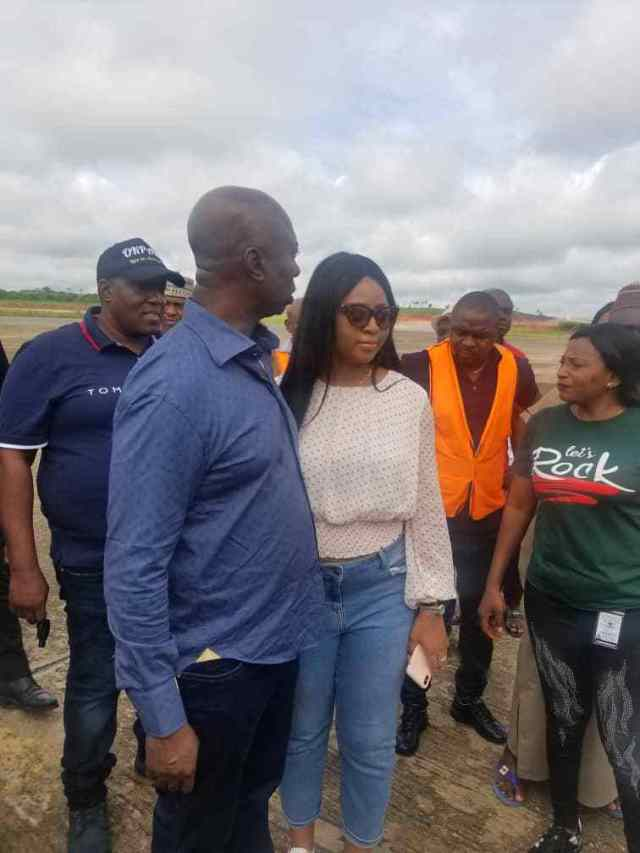 Regina Daniels, Ned Nwoko make first public appearance after marriage as the couple jet out to Abuja