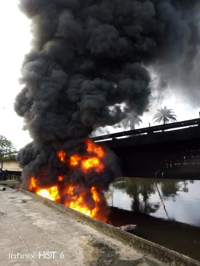 Bridge on Fire: Youths, Council Chairman, Security intervened as Army clash with illegal Oil Bunkers in Akwa Ibom (pictures) 2