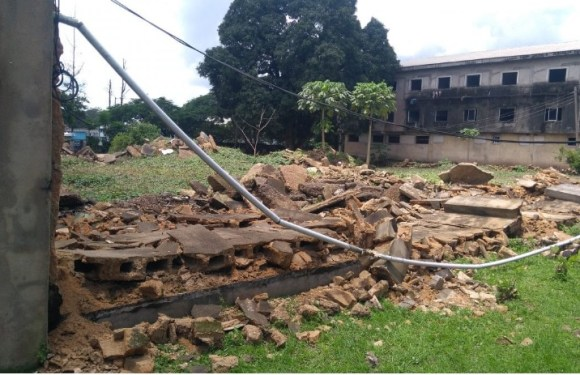 Suspected thugs demolish fences of CROSPIL in Calabar (Pictures)