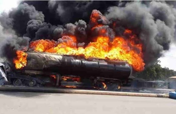 Anambra accident: Petrol tanker, power transformer, shops razedAnambra accident: Petrol tanker, power transformer, shops razed