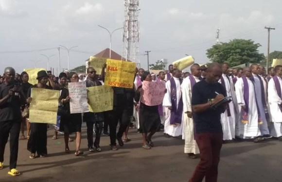 Catholics hold protest March in Anambra over killing of Christians