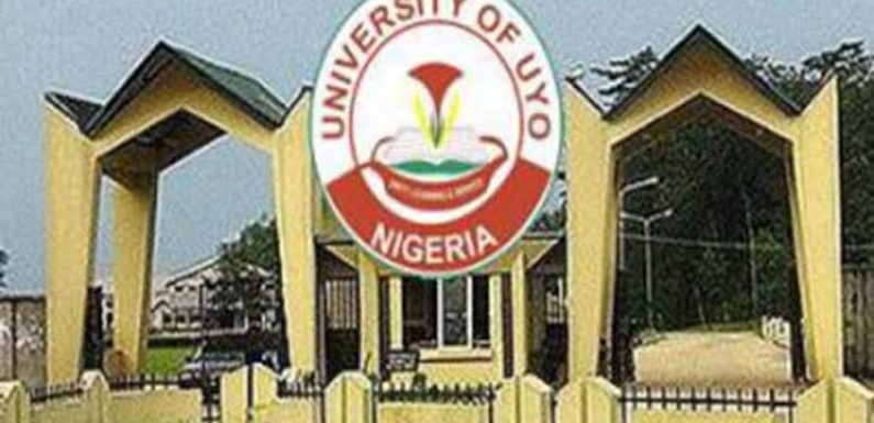 ASUU strike: University of Uyo students protest, gives govt seven days ultimatum to meet demands