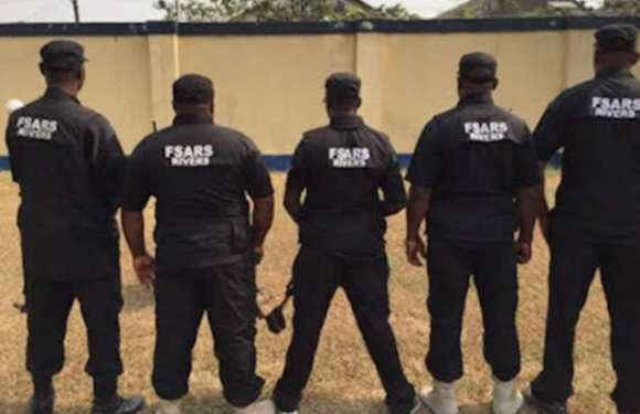 Nigerians accuse SARS of robbery, kidnapping, demand probe