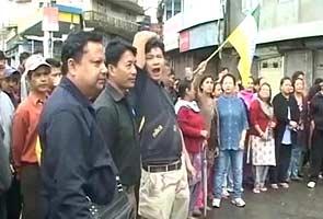 Gorkhaland agitation: Arrests, violence mark GJM bandh in Darjeeling