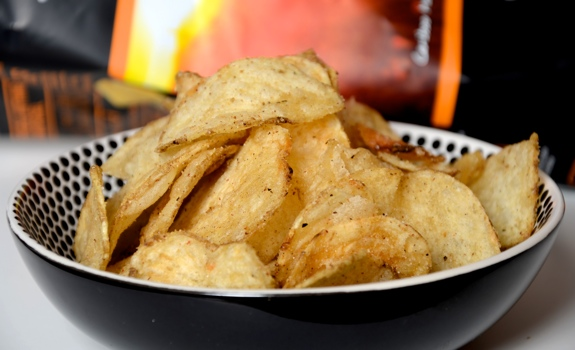 Hardbite Schezwan Peppercorn potato chips
