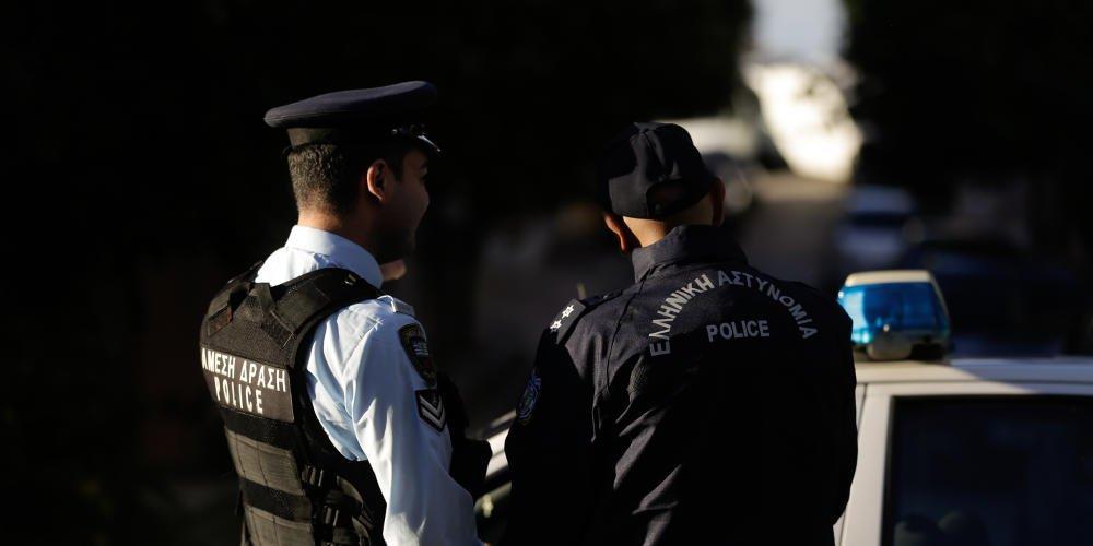 Πιστολέρο αστυνομικός πυροβόλησε οδηγό μετά από τροχαίο – Τέθηκε σε διαθεσιμότητα