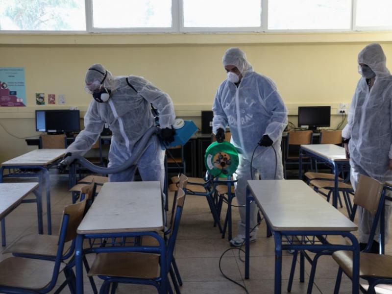 Κρούσματα κορονοϊού σε σχολεία: Πότε και ποιος θα αποφασίζει το κλείσιμο – Αναλυτικά οι οδηγίες του ΕΟΔΥ