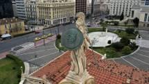 Πελώνη: Η χώρα δεν μπορεί να μείνει κλειστή για πάντα – Πώς θα γίνει η άρση των περιορισμών