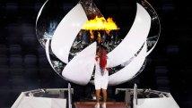 Άναψε η Ολυμπιακή Φλόγα στο Τόκιο – Εντυπωσιακές εικόνες από την τελετή έναρξης