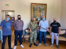 Δήμος Ανατολικής Σάμου: Παραδόθηκαν τα σπαθιά του Καπετάν Λαχανά για συντήρηση
