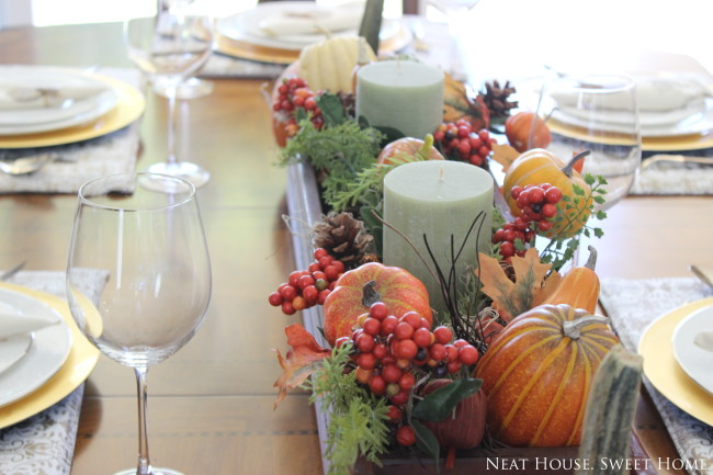DIY Easy Thanksgiving Tablescape – Free Printable Napkin Ties
