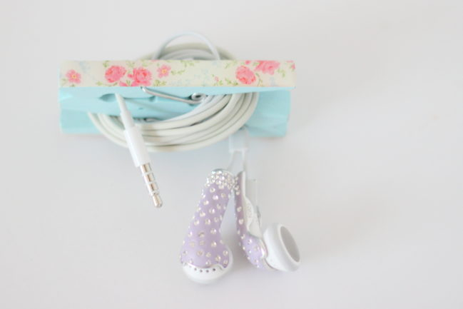 DIY Earbuds Holder – Pinspired Friday