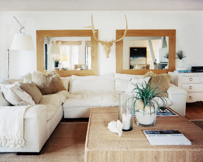 Rustic homes provide a unique sense of coziness and warmth, and the most probable reason for that is because they use a lot of wood in decorating.