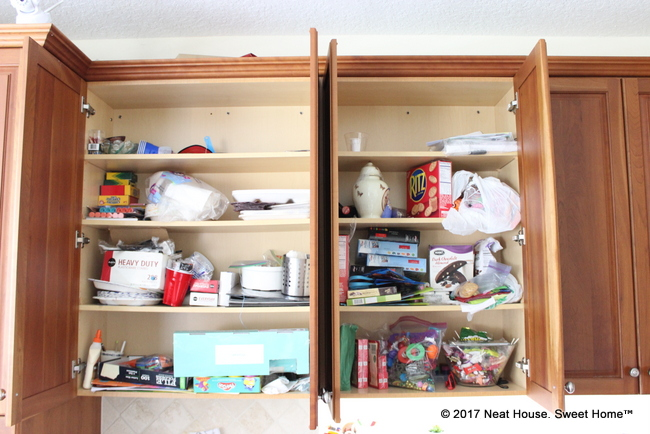 Is dinnertime chaotic in your household? Find out if you are making these 5 pantry organization mistakes.