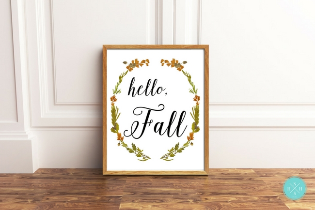 Fall is in the air! Download this beautiful Hello, Fall printable sign for free!