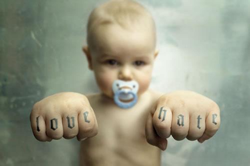 https://i1.wp.com/www.neatorama.com/images/2006-12/love-hate-baby.jpg