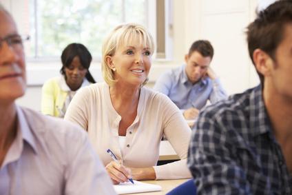 Abendschulen bieten sich perfekt an, um das Abitur nachzuholen.