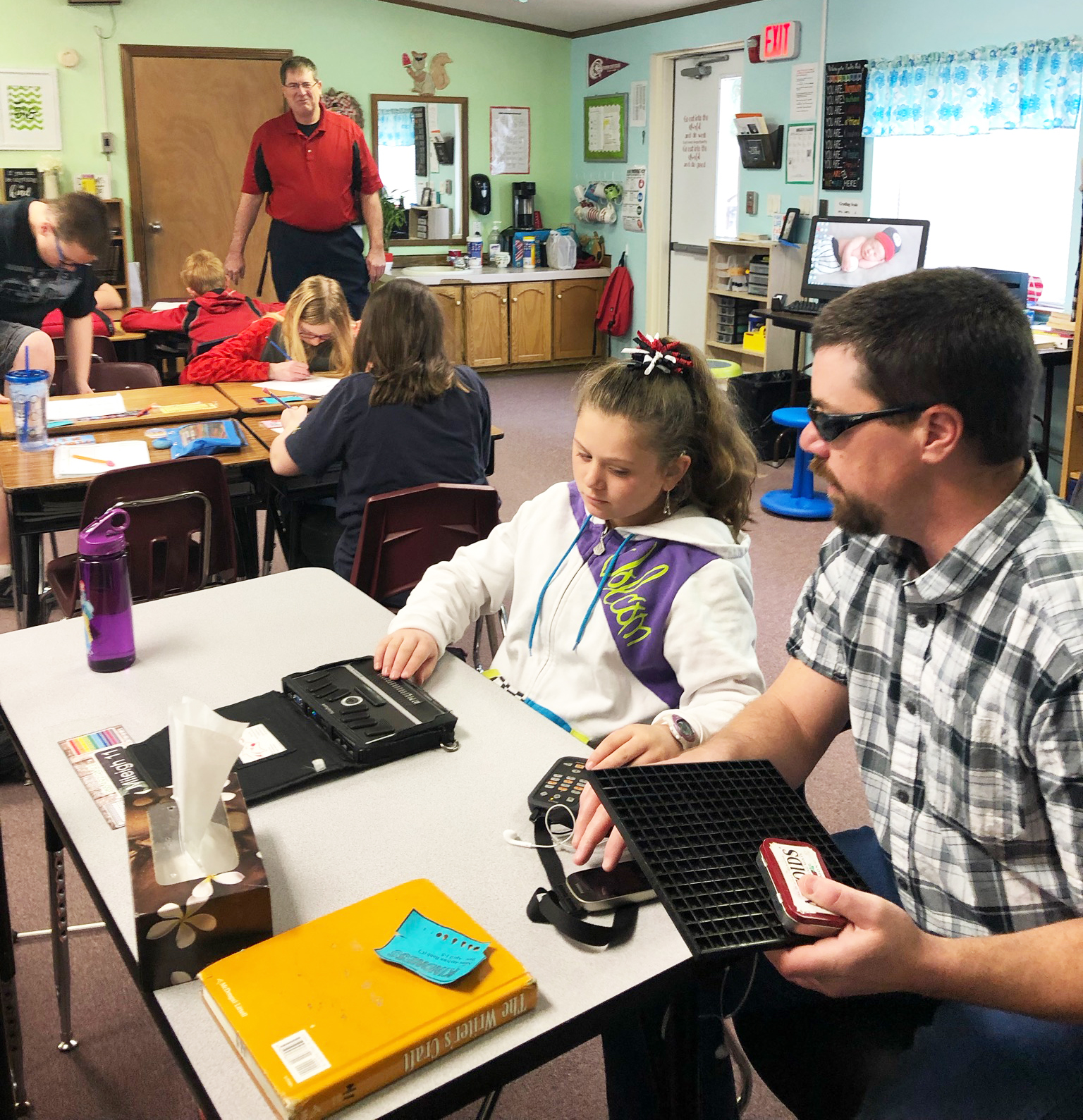 Mileigh And Her Mentor Para Hemingford Student Bound By
