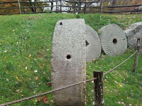 bail_holes