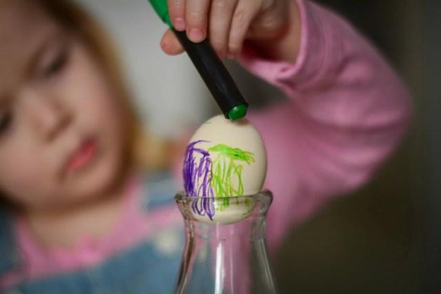 jak zrobić pisanki z dziećmi