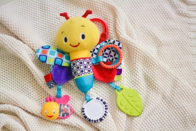 zabawki dla niemowląt - pszczółka sensoryczna