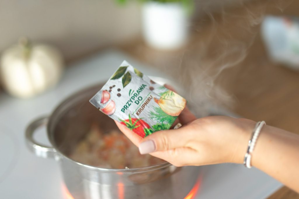 zbliżenie na przyprawę do zupy krupnik