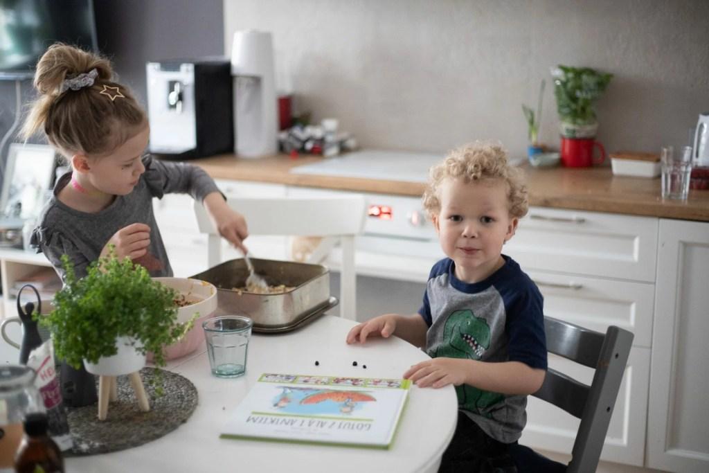 Gotuj z Alą i Antkiem - książka kucharska dla dzieci